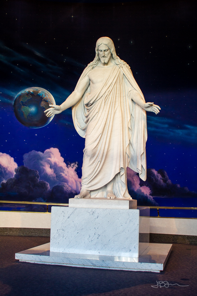 The Christus Statue at Temple Square, Salt Lake City, UT | Jest Kept Secret